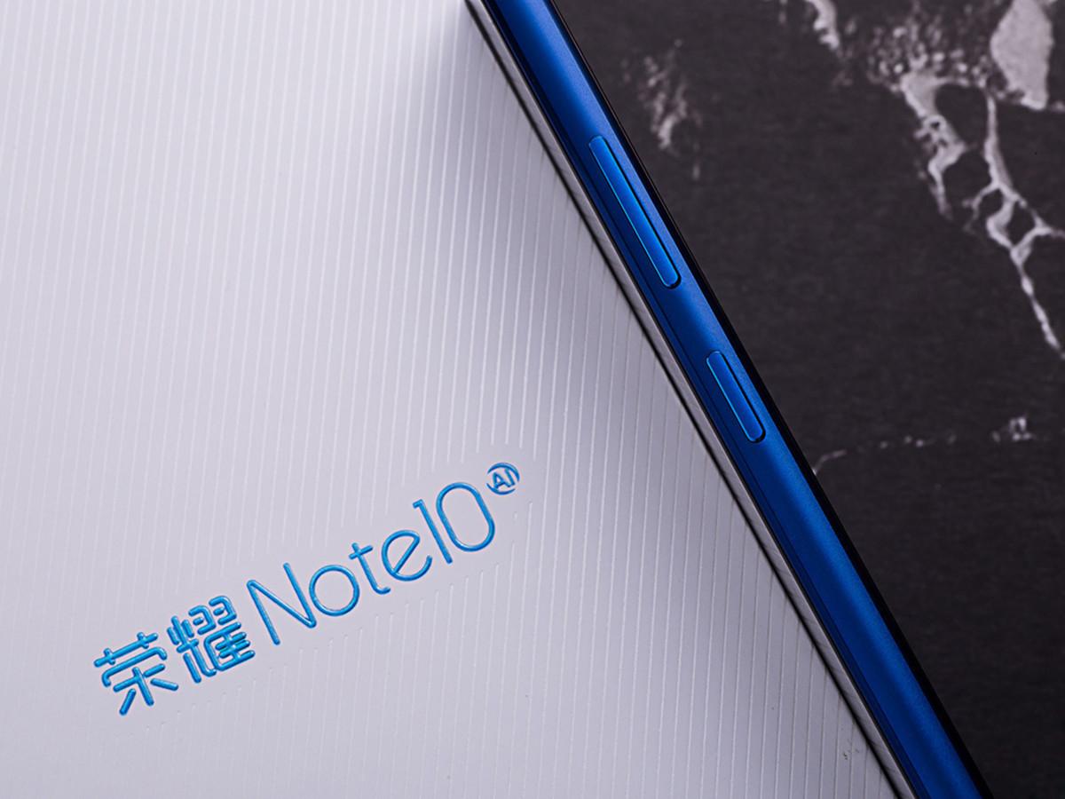 荣耀Note10(8+128GB)机身细节第4张