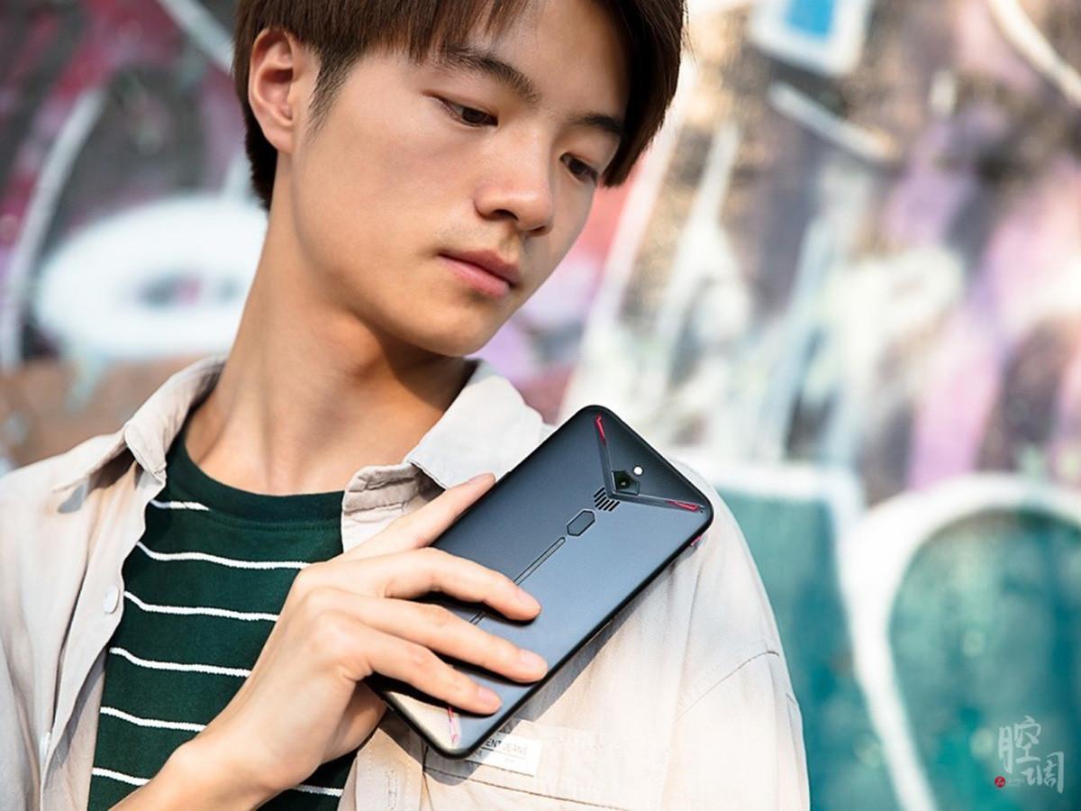 努比亚红魔3电竞手机(8+128GB)时尚美图第4张
