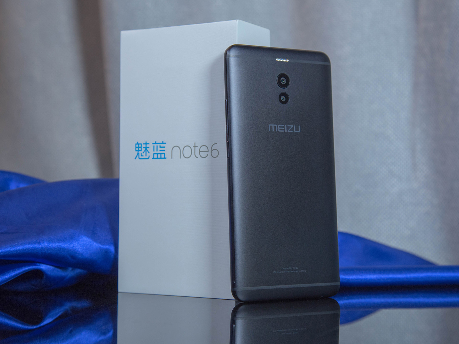魅蓝Note6(32GB/4GBRAM)整体外观第2张