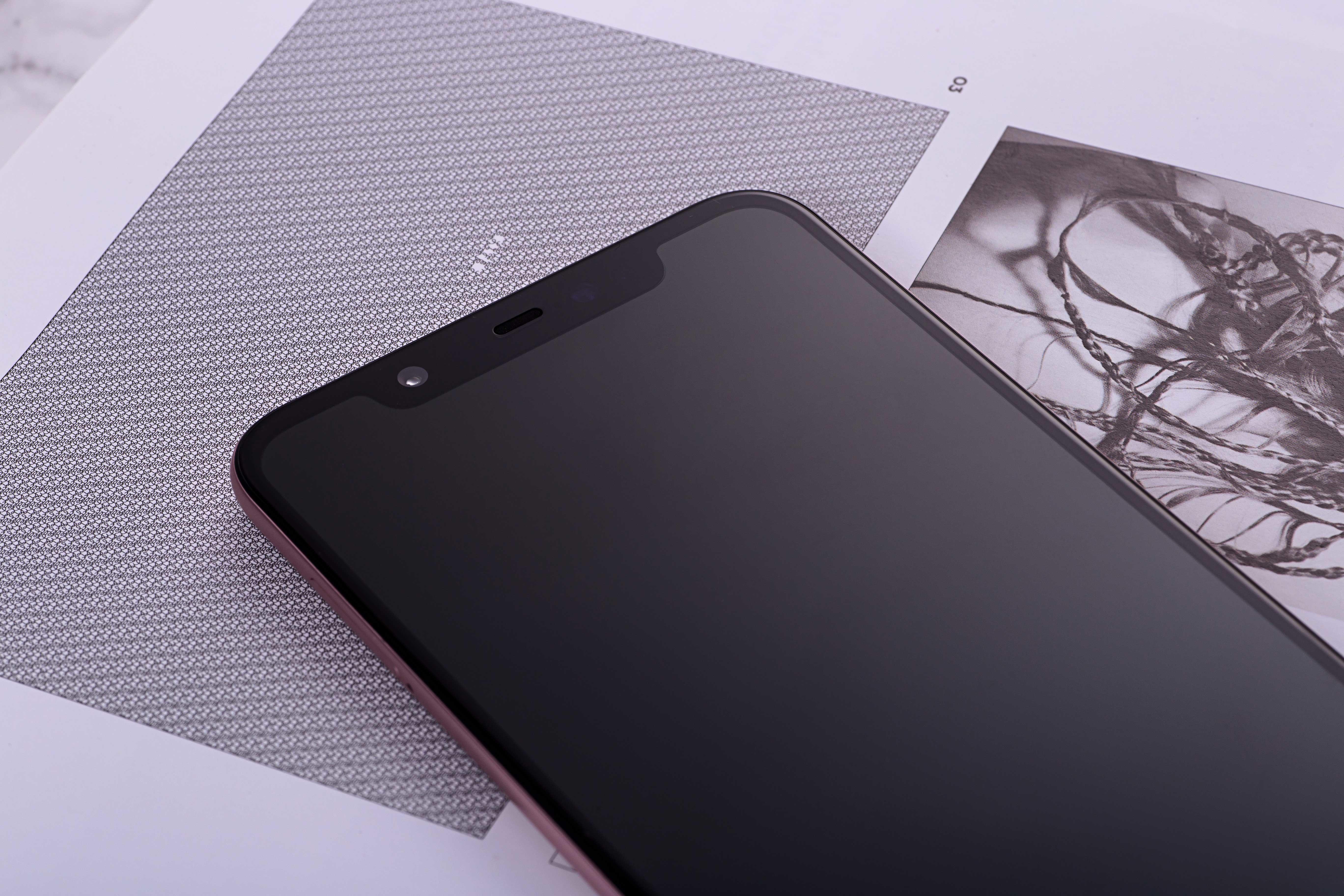 小米8(64GB)机身细节第2张