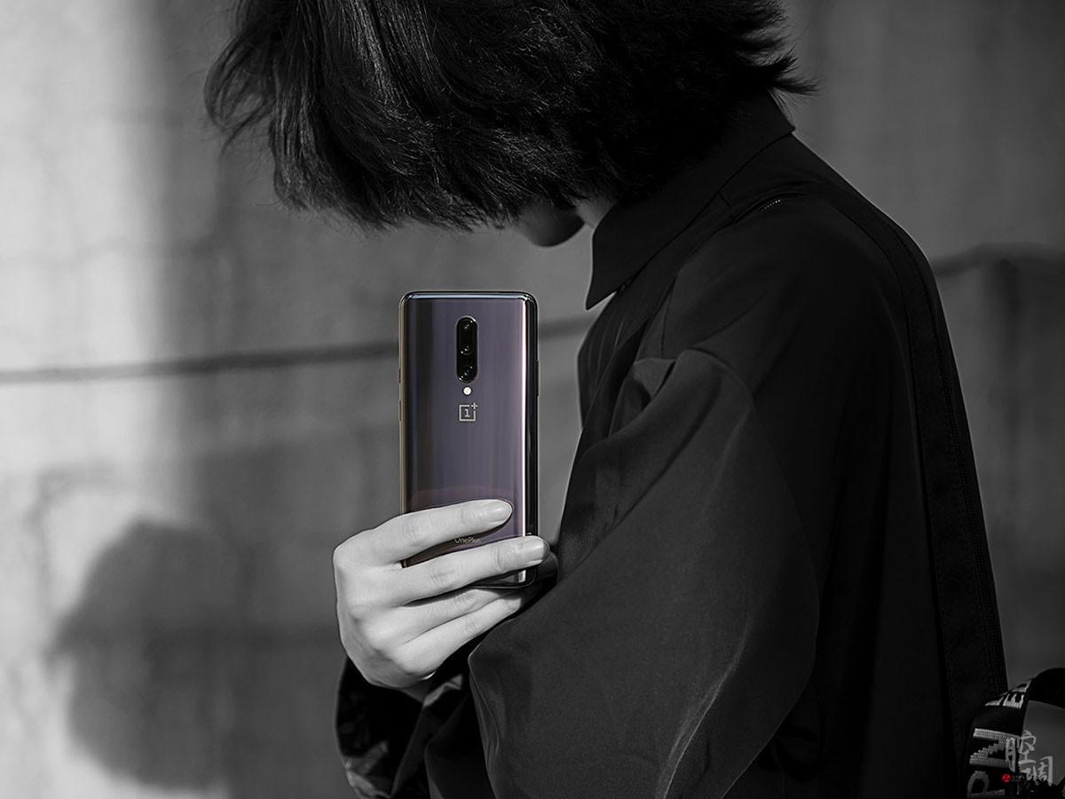 一加手机7Pro(12+256GB)时尚美图第5张